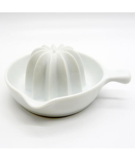 Presse Agrume en Porcelaine // KAI